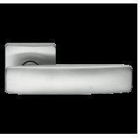 Фурнитура COLOMBO Design Дверная ручка BOLD PT11 матовый хром R Ф/З